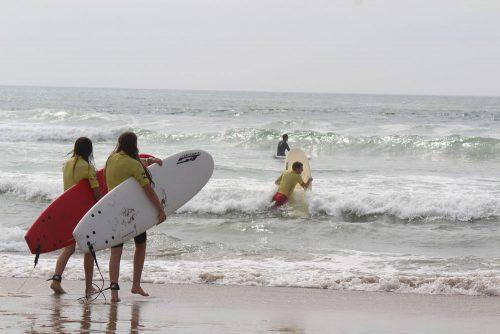 Tabara de Franceza, Surf